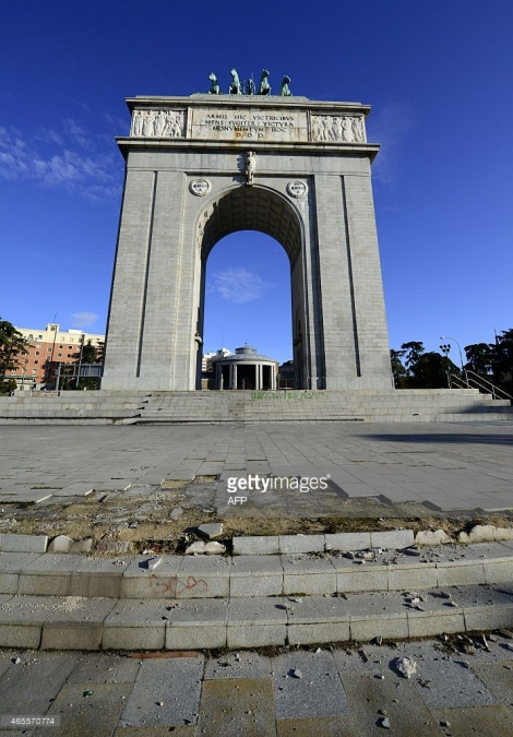 Arco de la Victória foi construído pelo ditador em referência à vitória de seu exército Nacionalista